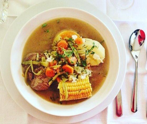 Platos típicos chilenos: cazuela
