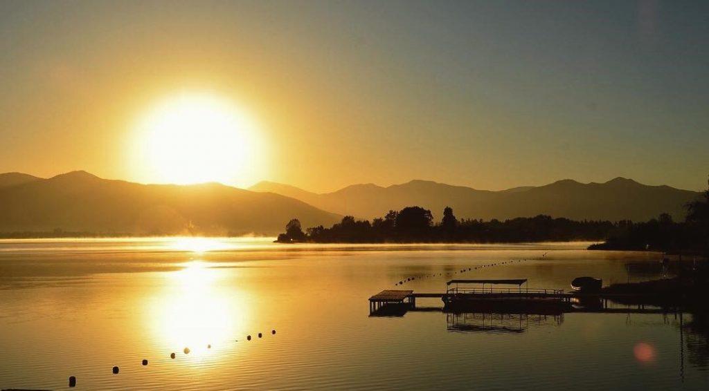 El Lago Rapel es uno de los lagos chilenos para ir de vacaciones.