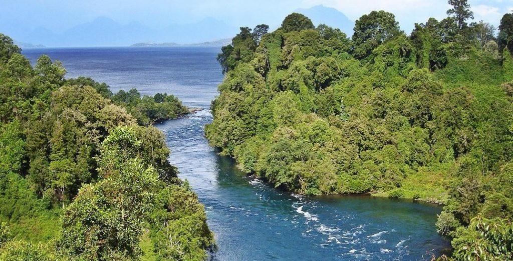 El Lago Ranco es uno de los lagos chilenos para ir de vacaciones.