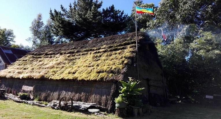 La ruca de Victoria Ñancuan te invita a vivir el etnoturismo y turismo rural en Chile.