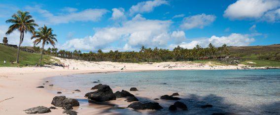 Una de las mejores playas de Chile es Anakena en Rapa Nui