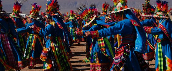 Ver los carnavales son un imperdible de Arica