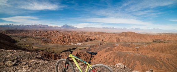 San Pedro de Atacama es una de las 5 rutas de bicicleta en Chile