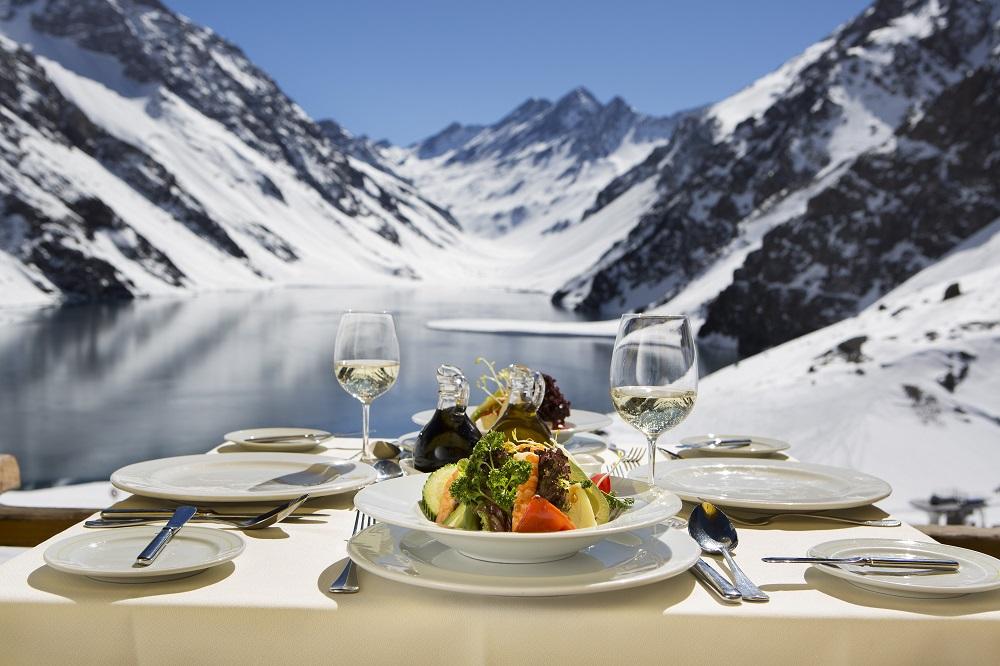 Temporada de nieve en Chile y su gastronomía en Portillo