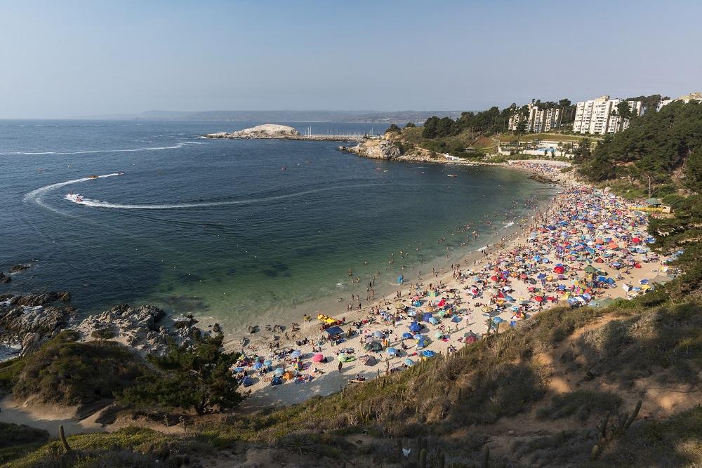 Algarrobo es una playa del Litoral de los Poetas
