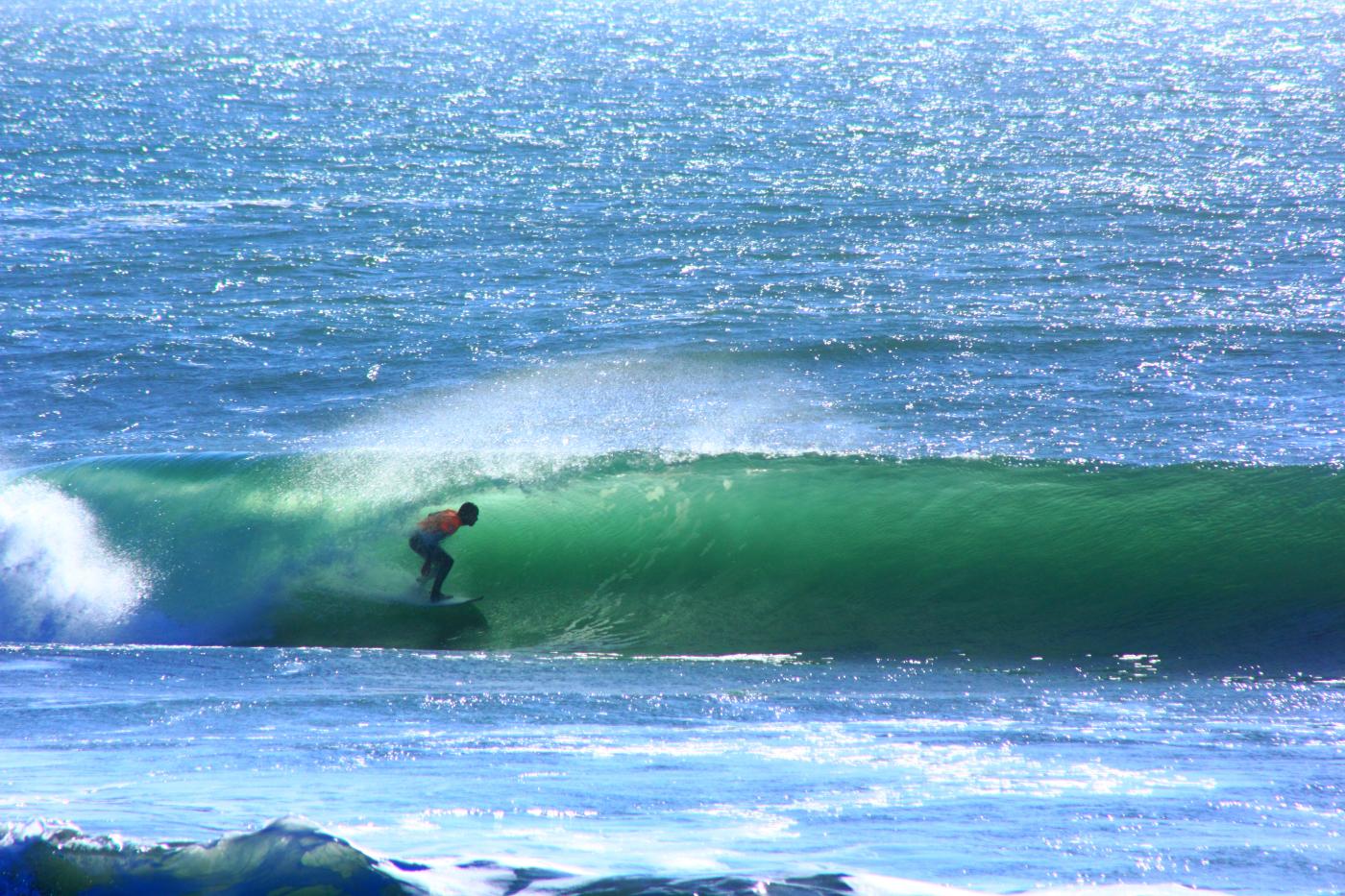 Imagen de un surfista