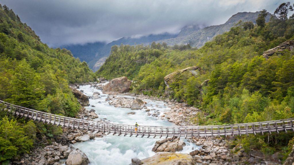imagen de un puente de la patagonia chilena