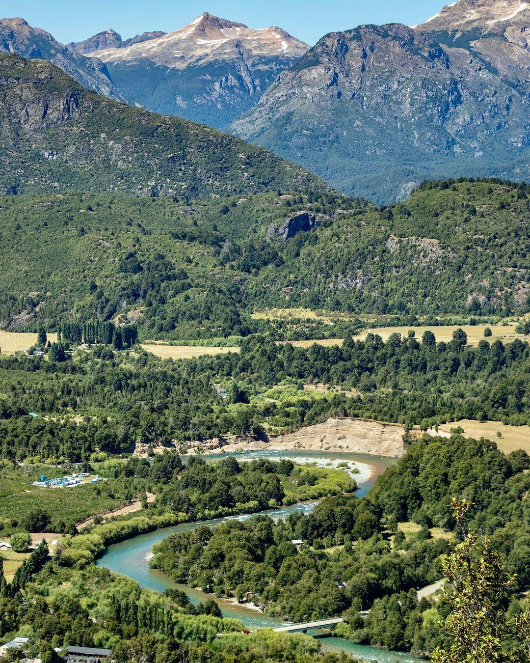 Futaleufú- vista panorámica del imponente río